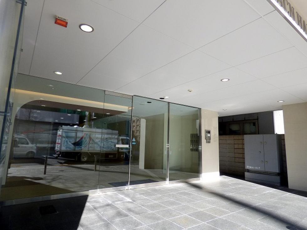 【千代田区 麹町】駅徒歩1分、最高抜群の明るいオフィス 10F