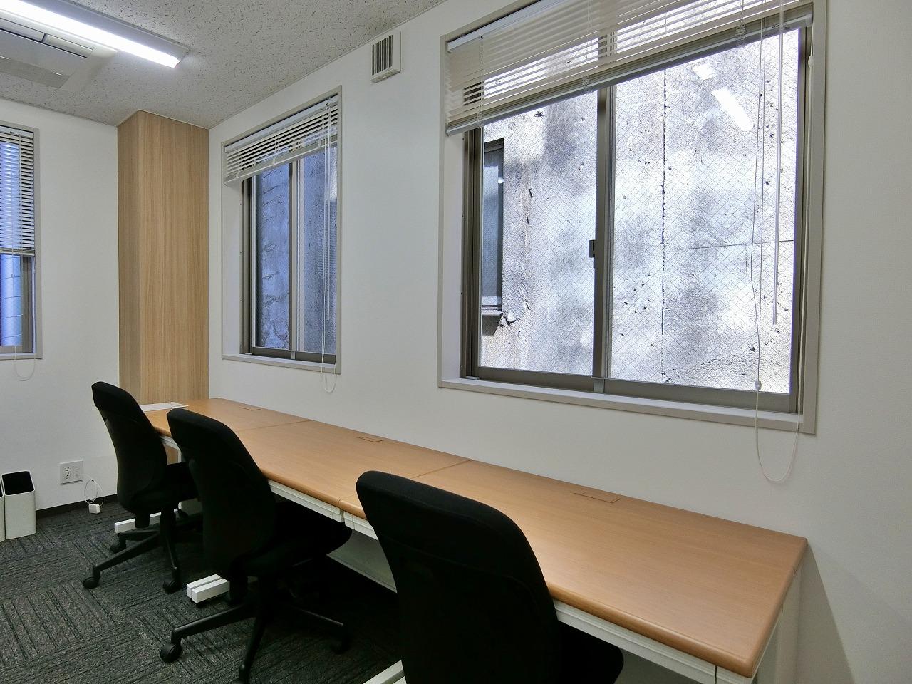 【港区 新橋】新橋駅徒歩3分の築浅オフィスビル!9名用