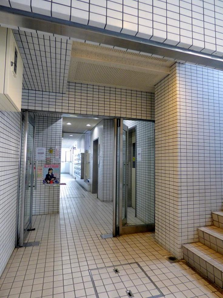 【中野区中央】20坪以下、トイレ2箇所の希少な間取り