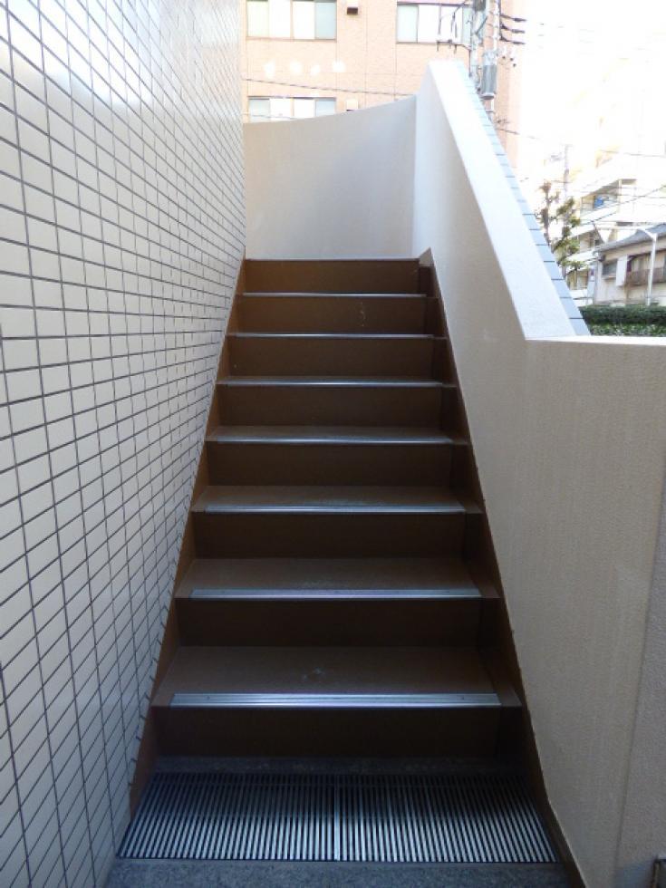 【新宿区山吹町】閑静な住宅街にあるマンションタイプの物件 303
