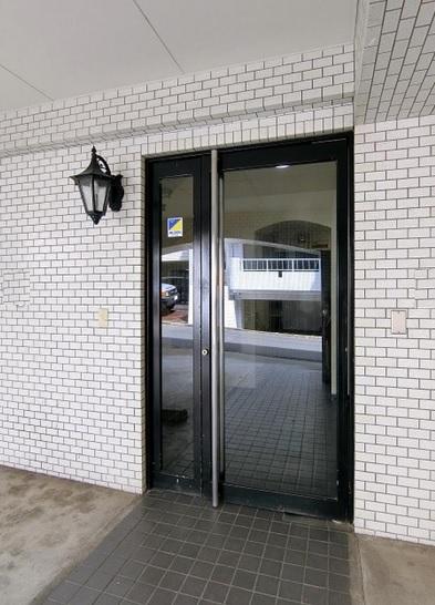 【渋谷区 千駄ヶ谷】複数路線使用可能な小型オフィス