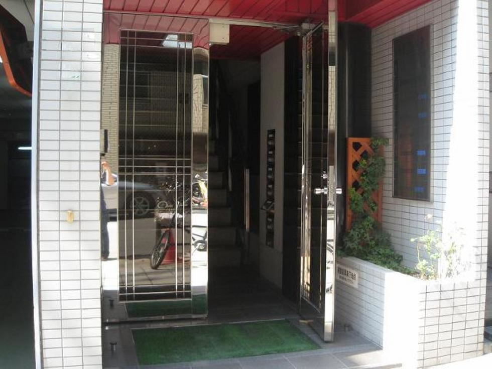 【大阪市中央区内平野町】ワンフロア・バルコニー付きオフィス物件