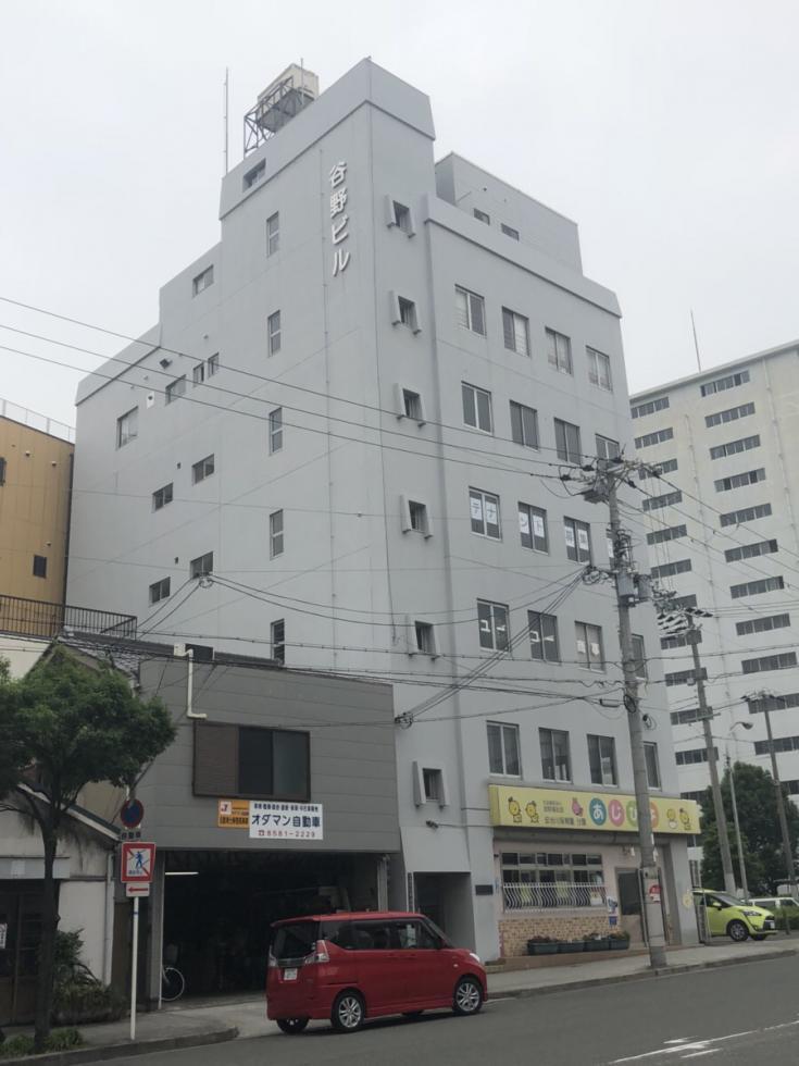 【大阪市西区】大通り沿い!視認性抜群の角地のお勧めレトロ物件!