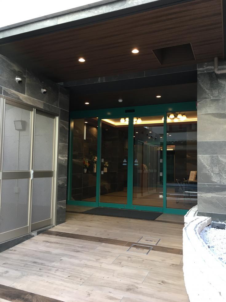 【大阪市北区紅梅町】南森町駅近、バルコニー付きSOHO物件!(2階)