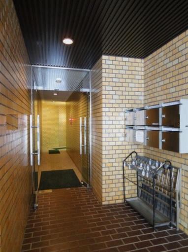 【千代田区 麹町】大規模修繕完了。外壁が綺麗なオフィスビル