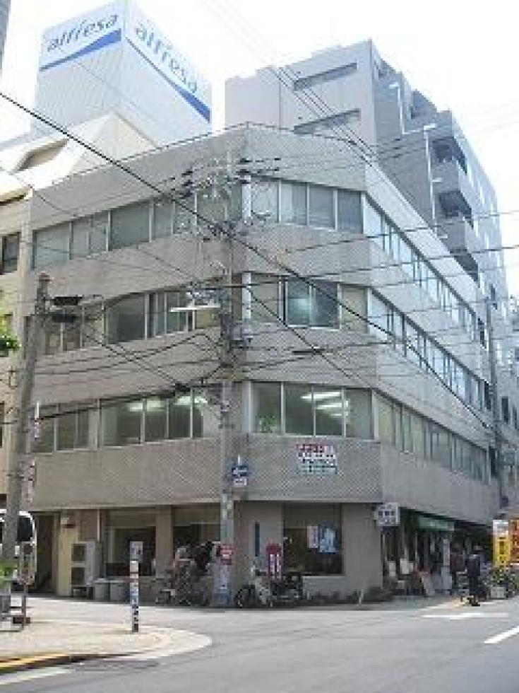【大阪市中央区】天満橋エリア!視認性・採光良好な角ビル!