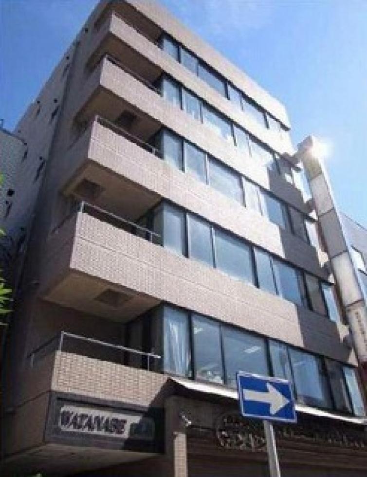 【神奈川県 横浜市】駐車場2台可能!看板も相談可能です