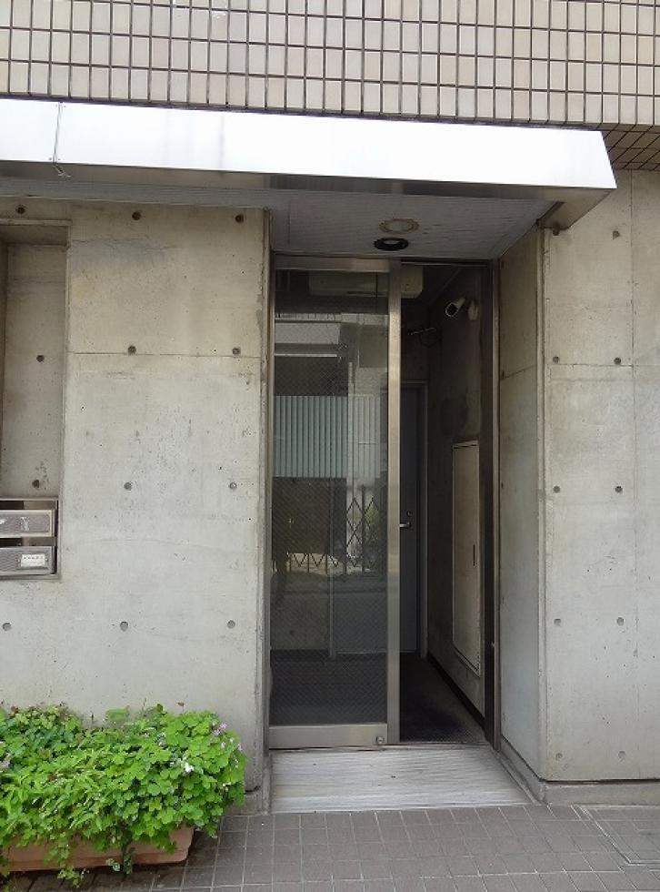 【渋谷区神宮前】2019年リノベーション済み、内装がオシャレなオフィス
