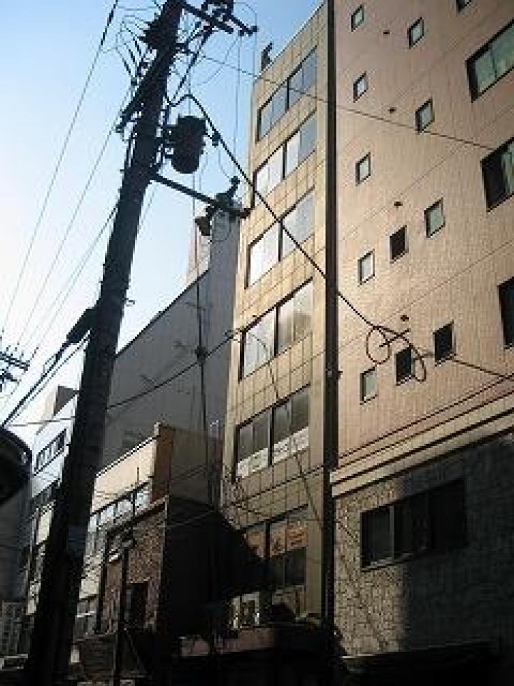 【大阪市中央区】12坪の1フロア1テナント、コンパクトオフィス