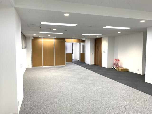 【中央区 日本橋箱崎町】2016年リニューアルのセットアップオフィス 2F