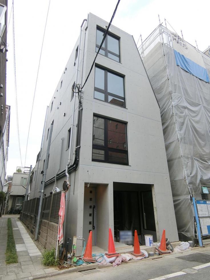 【新宿区 納戸町】地下コワーキングスペース利用可能なSOHO物件