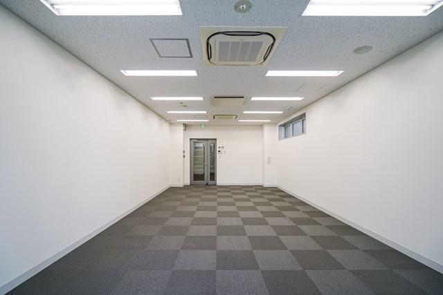 【中央区 京橋】東京駅徒歩圏内、レイアウトしやすいオフィス 7F
